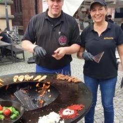 Bretten Wochenmarkt Erlebnismarkt Grill-Show -Team